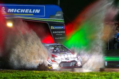 WRC Rallye Großbritannien 2019: Meeke führt erste Etappe an, Solberg stark
