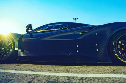 """Valentino Rossi im Ferrari 488: Misano-Test mit """"Uccio"""" und Luca Marini"""
