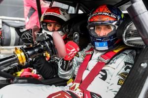 Opa Fittipaldi fährt Enkel: Beinahe-Abflug im Motodrom
