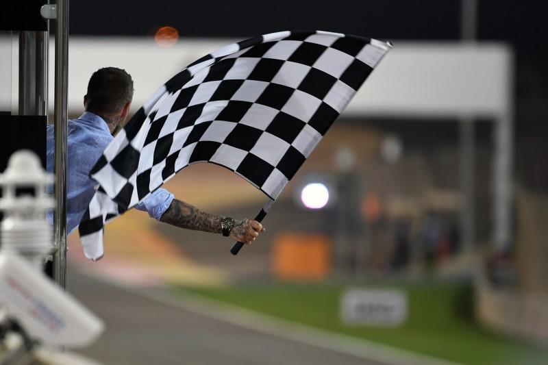 Vettel: Zielflagge sollte zählen, nicht elektronische Anzeige