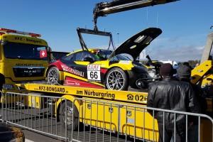 Startunfall bei VLN8: Thomas Gerling am Rücken operiert