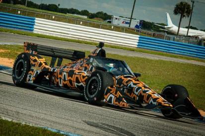 Im Tarnkleid: Erster IndyCar-Test von McLaren SP