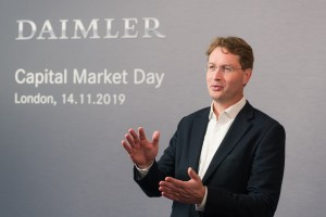 """Mercedes muss sparen: Formel-1-Zukunft wird """"diskutiert"""""""