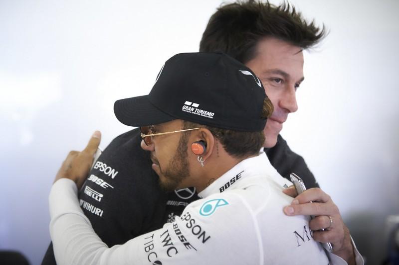 Formel-1-Boss, Bundeskanzler? Hamilton hofft, dass Wolff bleibt!