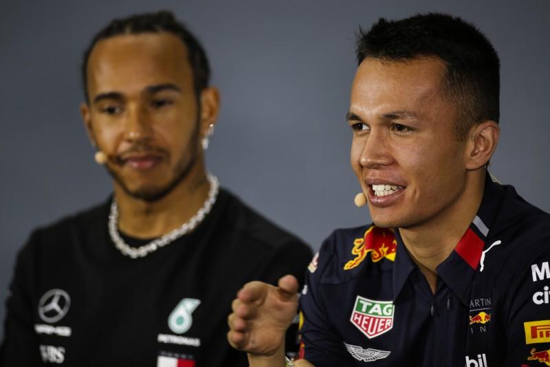 Nach Brasilien-Crash: Hamilton schickt Albon eine persönliche Nachricht