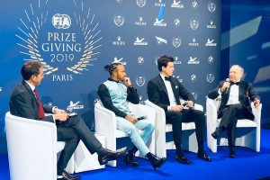 Lewis Hamilton zündelt: Wer hat Toto Wolff angerufen?