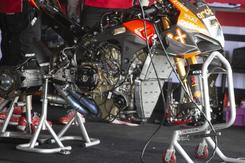 Ducati Panigale V4R: Erschwert die Trockenkupplung die Starts?