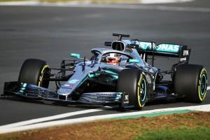 Shakedown in Silverstone: Mercedes präsentiert Auto am Valentinstag