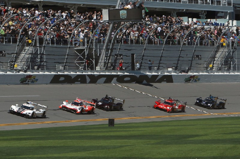 24h Daytona 2020: Cadillac und Porsche führen bei Drei-Stunden-Marke