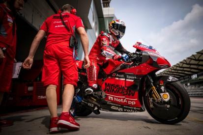 Ducati liegt zurück: Dovizioso nach Sturz geschwächt, Petrucci macht sich Sorgen