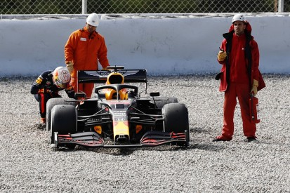 F1-Test Barcelona: Bestzeit Vettel, Topstars im Kiesbett!