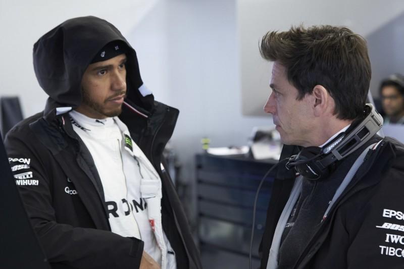 Gemeinsames Interview: Hamilton/Wolff lachen über Medienberichte