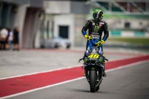 """""""Fast wie bei RoboCop"""": Rossi öffnet privates Archiv mit Rennanzügen"""
