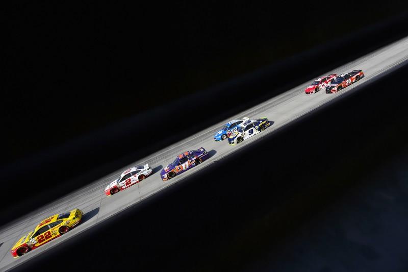 NASCAR verschiebt bis Mitte Mai alle Rennen wegen Coronavirus