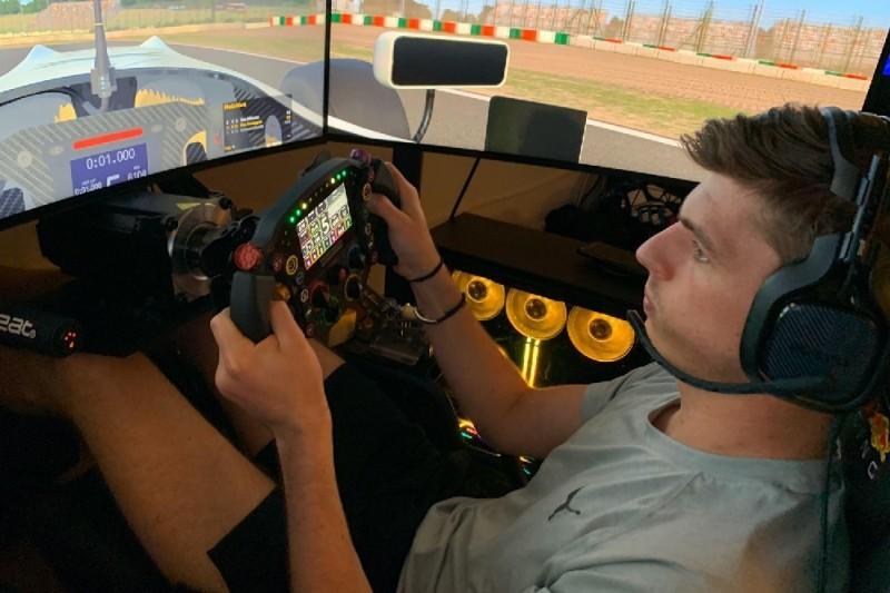 Wegen Corona-Pause: Max Verstappen hält sich mit Sim-Racing fit