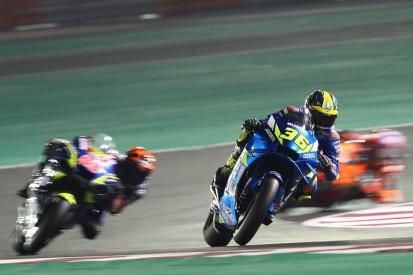Alle gleichgestellt: Suzuki begrüßt die Motor-Einfrierung mit Stand Katar