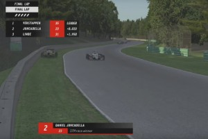 Sim-Racing: Max Verstappen gewinnt trotz Kollision in letzter Runde