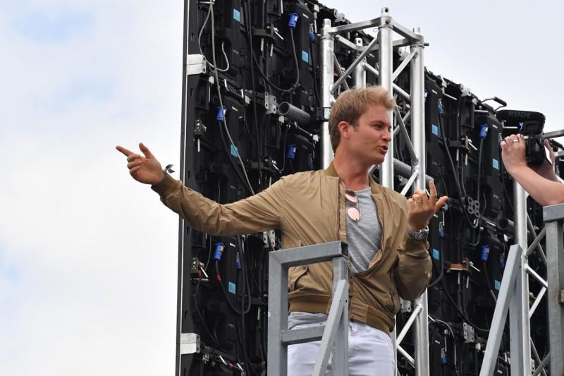 Nico Rosberg: Fahrer müssen jetzt ihre Nackenmuskeln trainieren