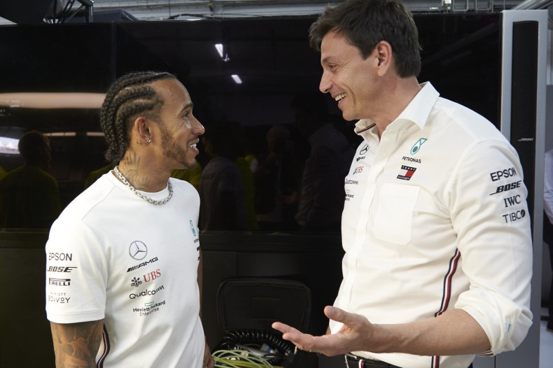 """Lewis Hamilton sauer auf Toto Wolff? """"Totaler Blödsinn!"""""""