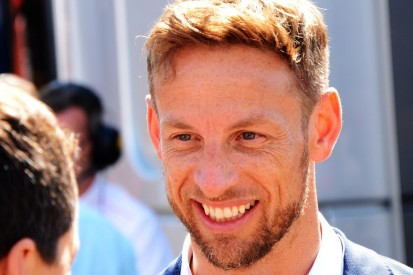 Button siegt in Legendenrennen, kurioses Villeneuve-Debüt