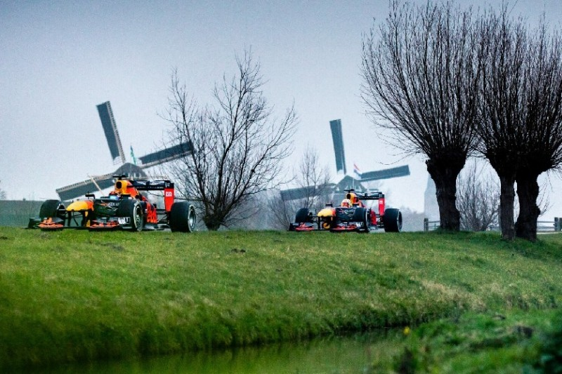 Roadtrip nach Zandvoort: Verstappen und Albon machen Holland unsicher
