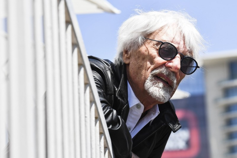Bernie Ecclestone: Tesla werden die Menschen vergessen, Ferrari nicht