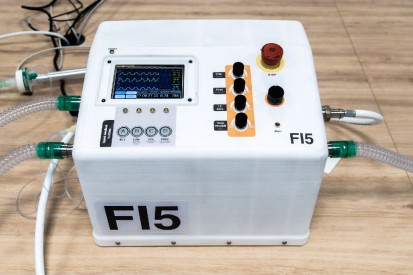 Open-Source-Projekt: Ferrari baut Prototyp eines Beatmungsgeräts