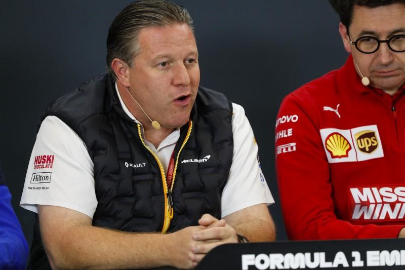 """Zak Brown vermutet: Sebastian Vettel wird """"wahrscheinlich zurücktreten"""""""