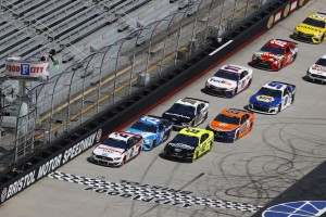 NASCAR Bristol: Brad Keselowski gewinnt turbulentes Short-Track-Rennen