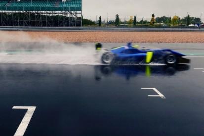 McLaren-Fahrer testen in Silverstone - aber ohne Formel-1-Autos!