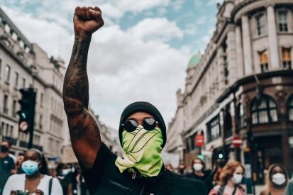 BlackLivesMatter-Demo: Jetzt geht Lewis Hamilton selbst auf die Straße