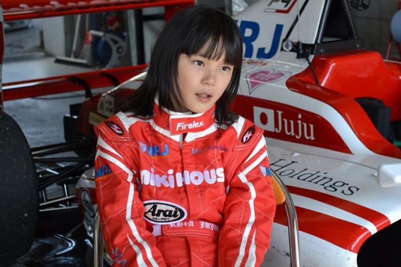 Juju Noda: 14-Jährige siegt bei Formel-4-Debüt in Europa