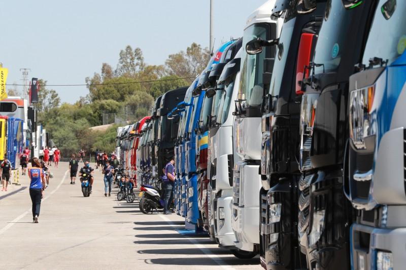 Während sich MotoGP abschirmt: Illegale Straßenrennen in Jerez