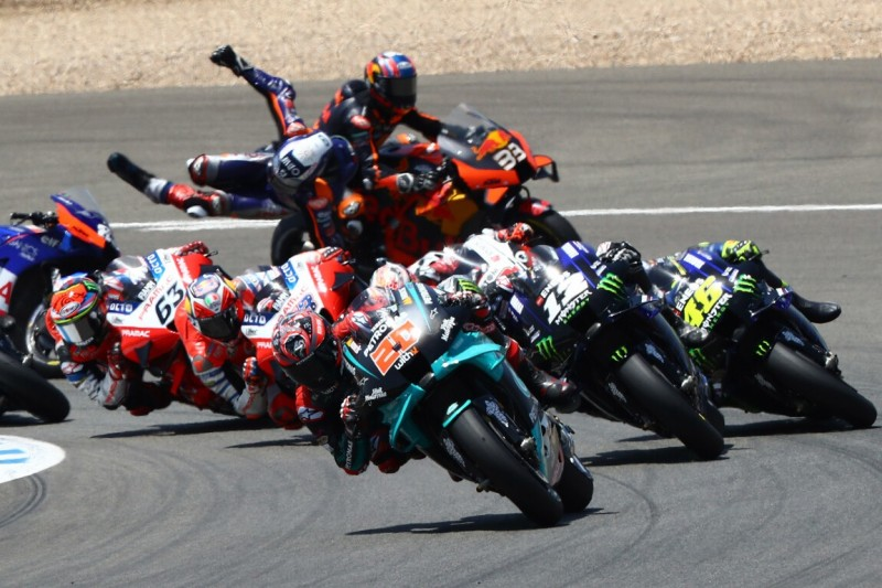 KTM-Crash beim Start: Unterschiedliche Ansichten von Oliveira und Binder
