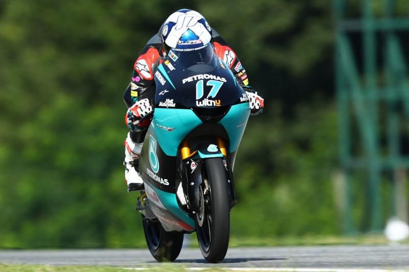 Moto3 Spielberg FT2: McPhee-Bestzeit, Regen beeinträchtigt den Fahrbetrieb