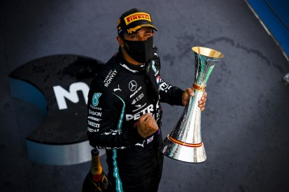 Carbonteil überfahren: Da hing Hamiltons Sieg am seidenen Faden!