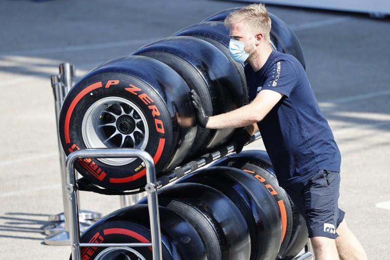 Hamilton übt Kritik an Reifen: Pirelli sollte mehr auf F1-Fahrer hören