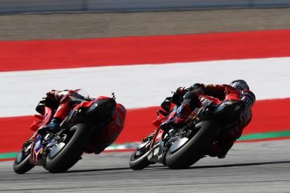 Ducati hält sich großteils freiwillig zurück - Defektserie bei Petrucci