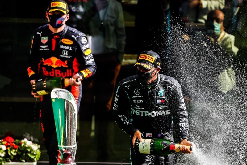 Hamilton: Red Bull hat ein gutes Auto, aber nur einen guten Fahrer