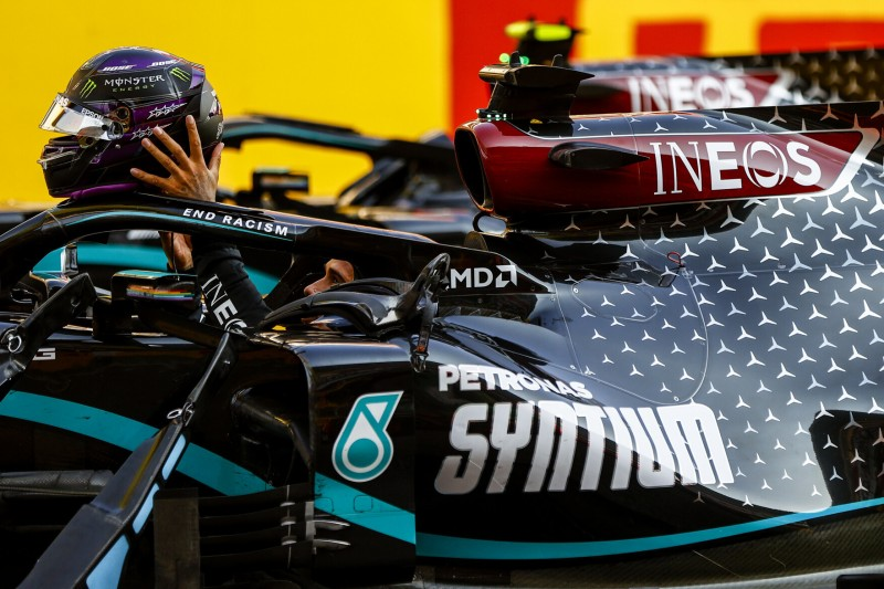 """Hamilton vergleicht F1 mit NASCAR: """"Wenn Papier auf der Strecke liegt ..."""""""