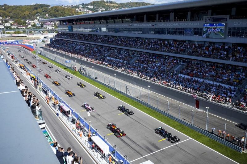 Positive Corona-Tests: Formel 1 meldet erstmals zweistellige Anzahl