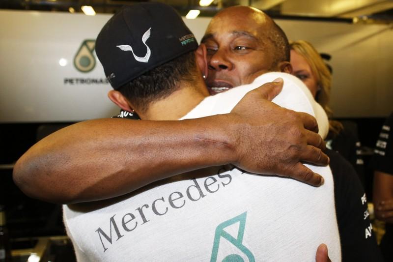 """Lewis Hamilton: """"Bin meinem Vater noch nie so nahegestanden wie heute"""""""