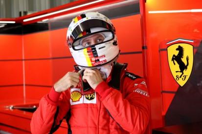 Sebastian Vettel scheint zu zweifeln: Hat er das gleiche Auto wie Leclerc?