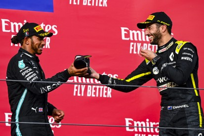 """Hamilton & Ricciardo: War dieser """"Shoey"""" eigentlich legal?"""