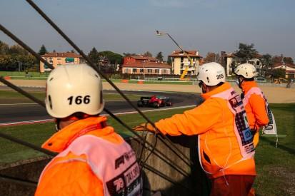 Streckenposten in Gefahr: FIA reagiert auf Schrecksekunde in Imola
