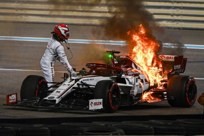 Alfa Romeo in Flammen: Darum kam Räikkönen so langsam aus dem Auto