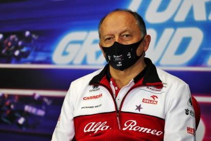 Nach schwachem Jahr: Alfa Romeo schließt Abschied von Ferrari nicht aus