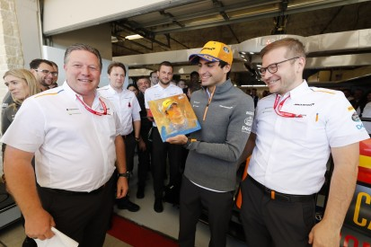 Zak Brown: Wie McLaren mit Carlos Sainz umgegangen ist