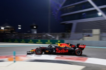 Verstappen explains how hand got stuck in Abu Dhabi qualifying