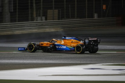 "Sainz ""very angry"" as McLaren F1 car issue dents Bahrain GP hopes"